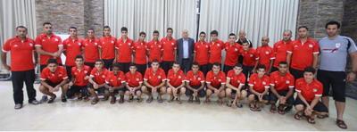 الرجوب يتفقد لاعبي منتخبنا الوطني للناشئين قبل مواجهة اوزبكستان