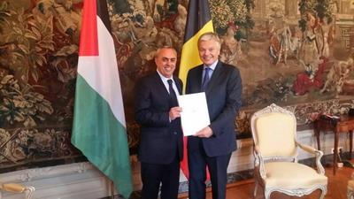 الفرا يقدم اوراق اعتماده كسفير فوق العادة لوزير خارجية بلجيكا