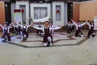أبناء عائلة الفرا ينيرون حفل مدرسة شهداء خان يونس لتكريم أوائل الطلبة