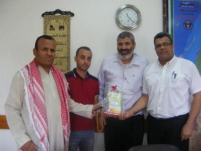 عموم عائلة الشمالي تشكر د.عبدالعزيز الفرا وطاقم الاطباء بقسم الجراحه
