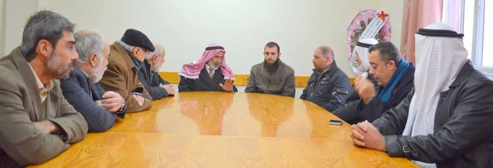 وفد من عائلة الفرا يجتمع مع رئيس بلدية القرارة الجديد