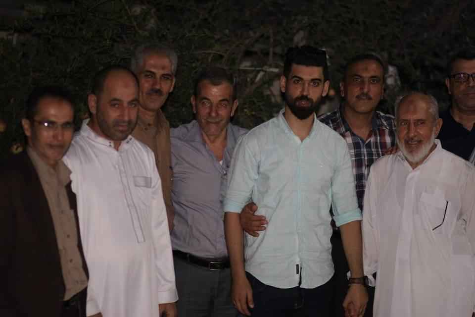 وفد من مجلس عائلة الفرا يزور الاخ محمود الفرا بمناسبة زفاف نجله اسامة