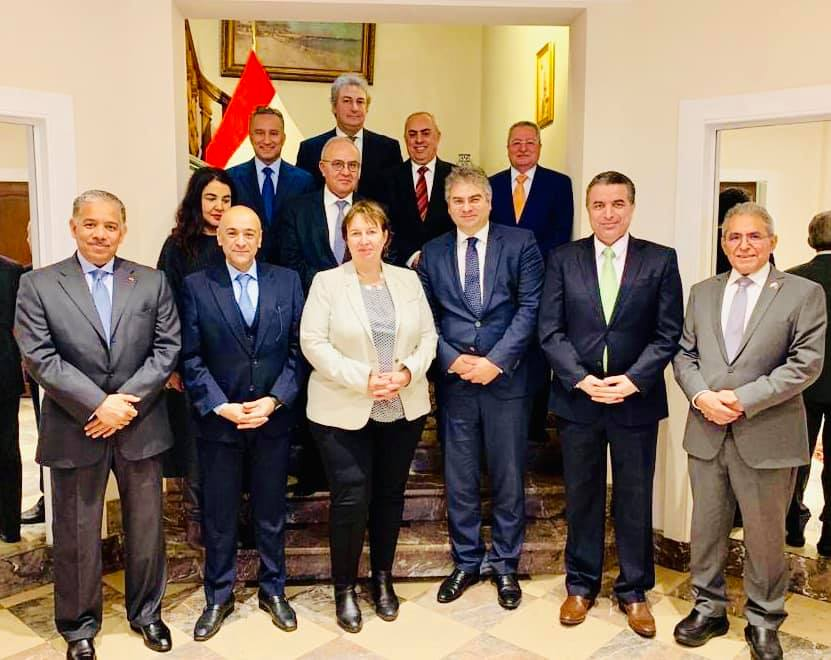السفير الفرا يشارك في اجتماع مجلس السفراء العرب