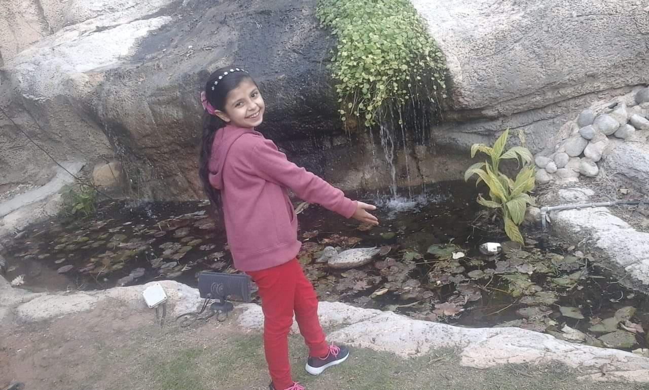 الطفلة: عهود محمد طلبة الفرا تعود الى ارض القطاع