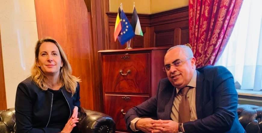 السفير الفرا يستقبل مديرة دائرة عملية السلام والأونروا في المفوضية الاوروبية