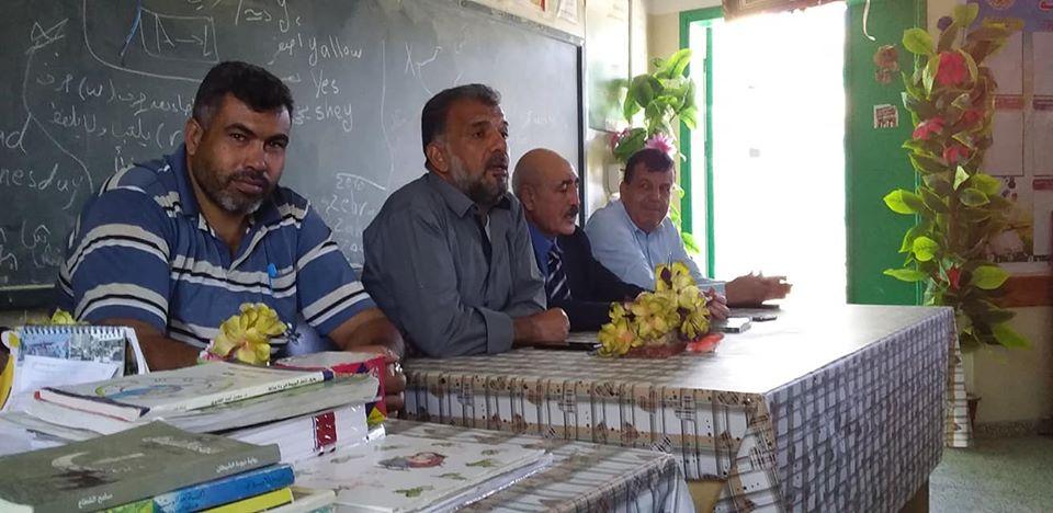 لقاء تربوي للدكتور اسماعيل صالح الفرا بمدرسة القرارة