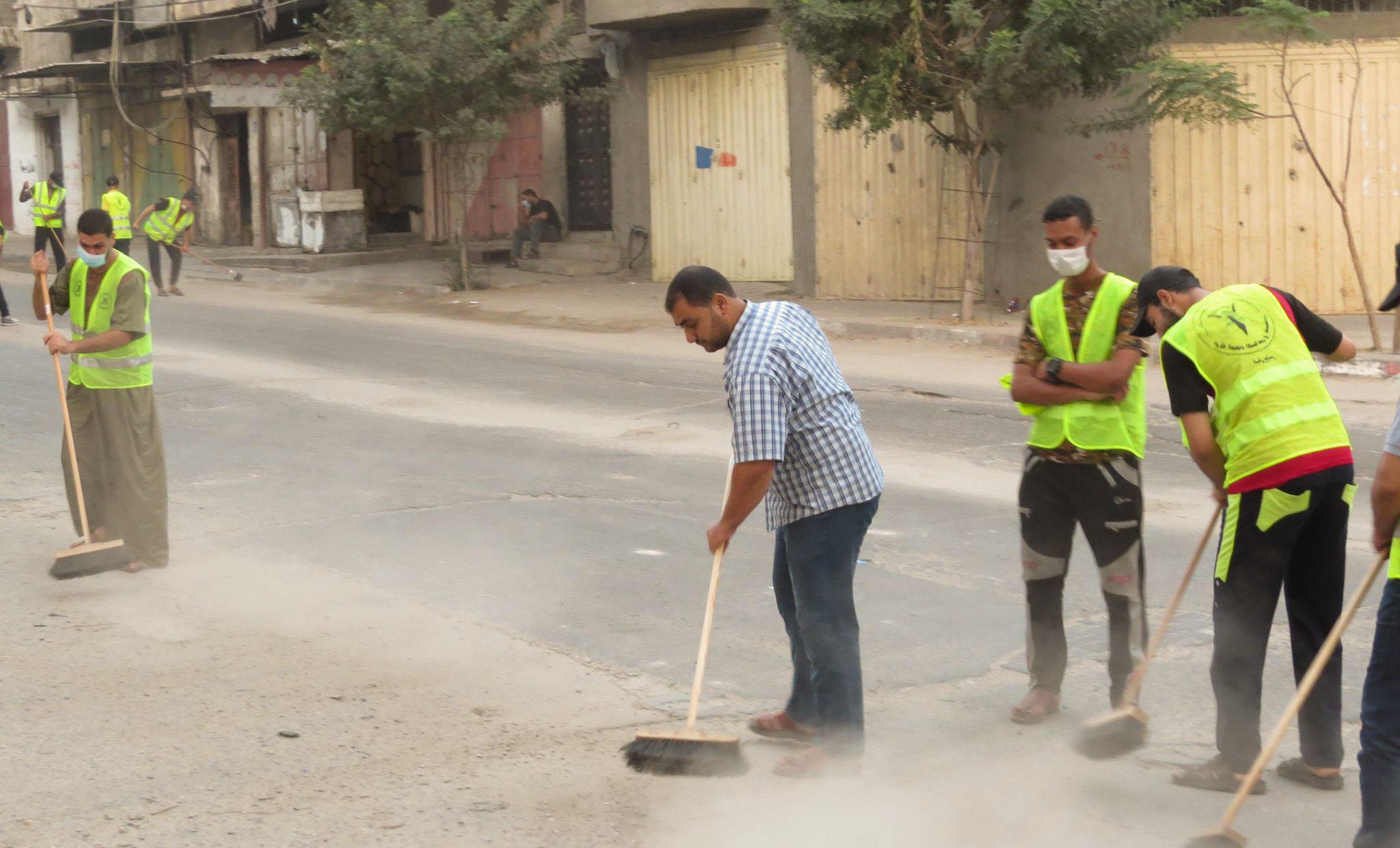 تنظيم حملة نظافة للشوارع جنوب خان يونس