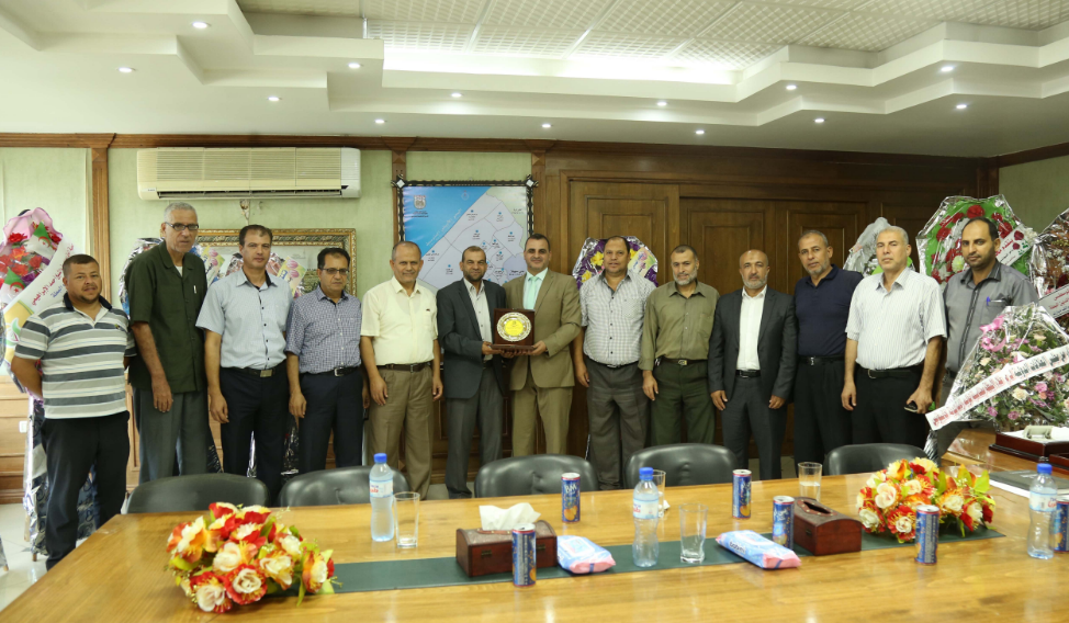 بلدية خان يونس ووزارة الشباب والرياضة يؤكدان استمرار التعاون المشترك