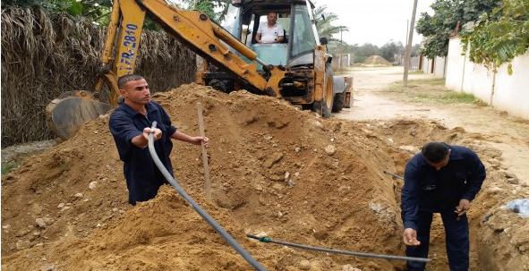 إصلاح 330 خط وتمديد شبكات مياه جديدة في شوارع مدينة خان يونس
