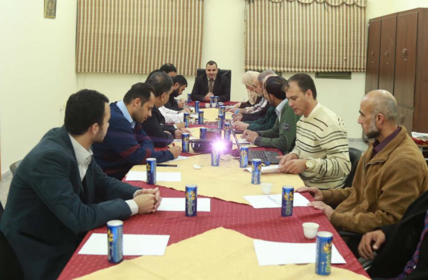 البطة يترأس اجتماع للجنة المشرفة على مسابقة خان يونس للقراءة
