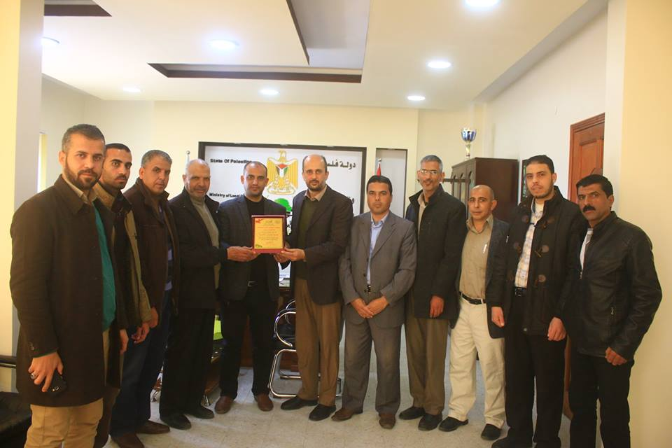 مجلس عائلات محافظة خان يونس يهنئ بلدية عبسان الكبيرة بتميزها بالحفاظ على البيئة