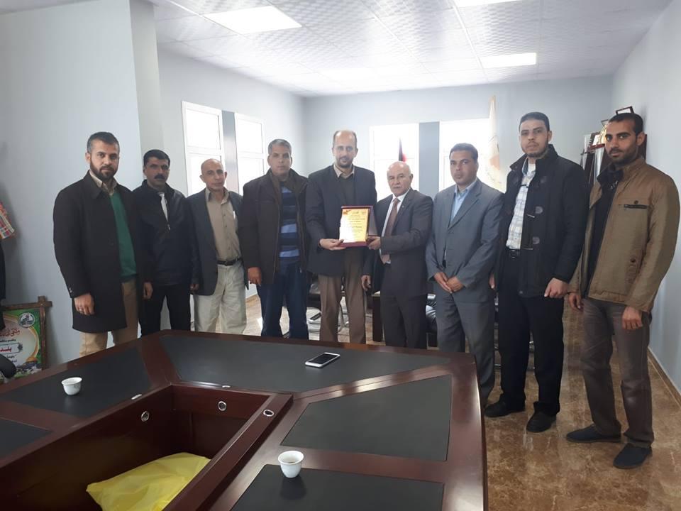 مجلس عائلات محافظة خان يونس يهنئ بلدية خزاعة بتميزها في تطبيق معايير الشفافية والحوكمة