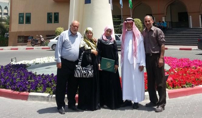شئون البحث العلمي تكرم الفائزين بجائزة الجامعة لأبحاث التخرج ورسائل الماجستير المتميزة للعام الدراسي 2012-2011م