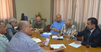 الفرا: الحكومة توفر 430 عامل نظافة لبلديات القطاع
