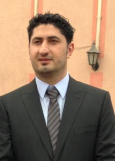 رجل الأعمال الأستاذ/ عبد الهادي عطا الفرا يدعم شباب عائلة الفرا-الشيخ ناصر مادياً ومعنوياً.