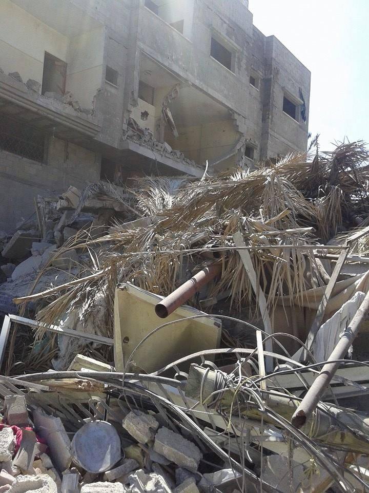 صور استهداف منزل السيد / إبراهيم محفوظ الفرا