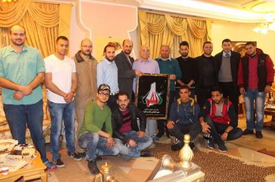 وفد من لجنة أنشطة العائلة في زيآرة للأستاذ الدكتور ناصر قاسم الفرا