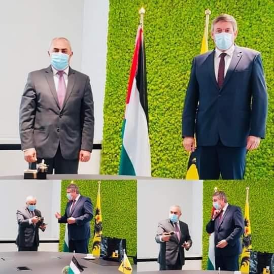 """السفير الفرا يطلع رئيس حكومة """"إقليم فلاندرز"""" البلجيكي على آخر التطورات"""