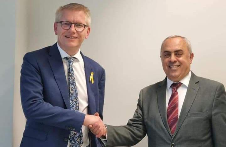 السفير الفرا يحصل على اعتراف بلجيكا برخصة القيادة الفلسطينية