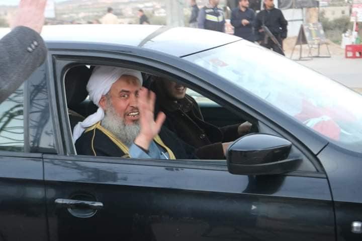 الشيخ ياسين الاسطل يعود الى قطاع غزة