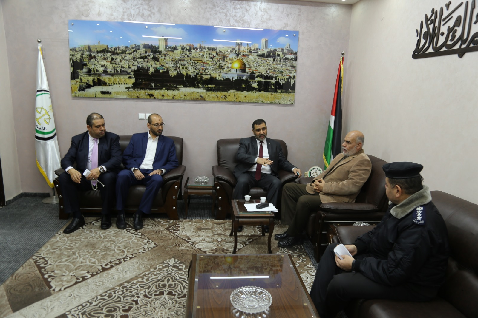 النيابة العامة تستضيف لقاء حوارياً لقيادة الشرطة الفلسطينية لتعزيز حقوق الإنسان ومناهضة التعذيب