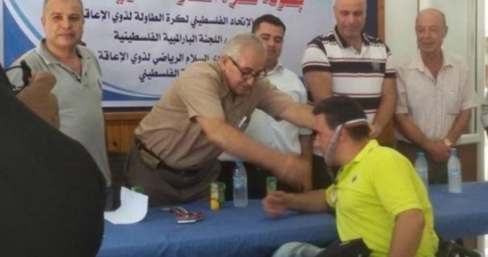 معاقون في غزة يمسكون المضارب وينافسون الأصحاء في كرة الطاولة