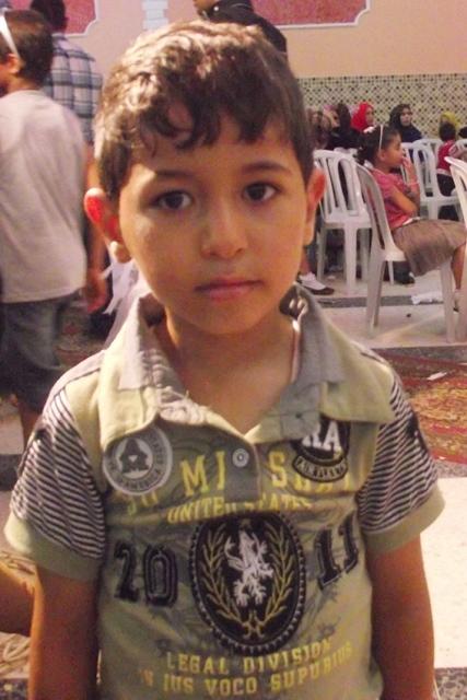أجرى اليوم الطفل : أحمد منصور سالم الفرا عملية جراحية فحمدا لله على سلامتة